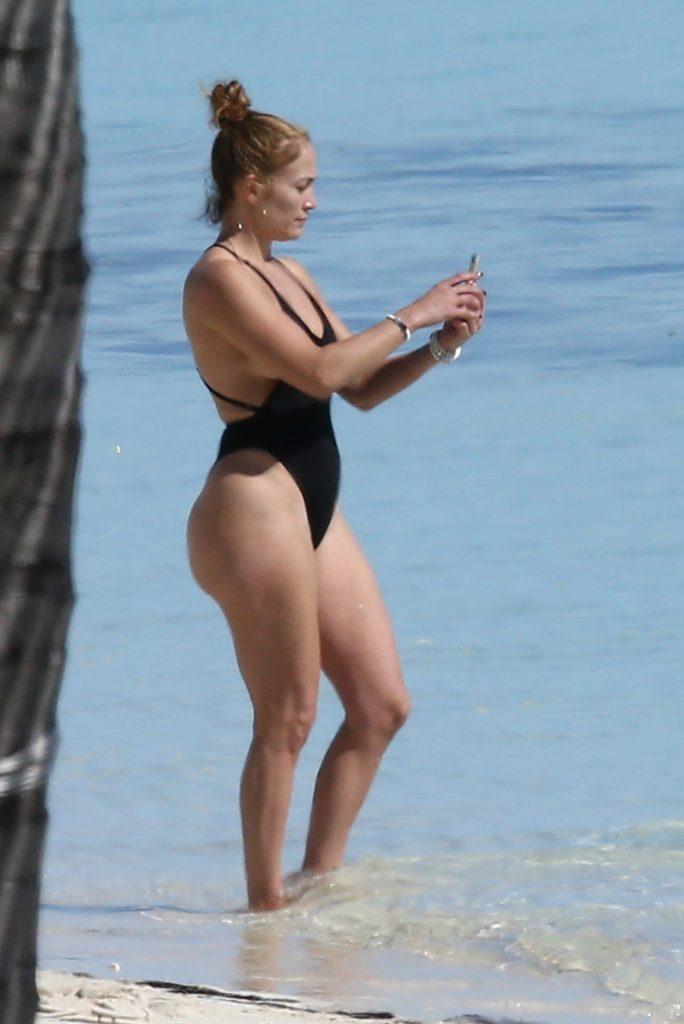 J.Lo трахает поляка в купальнике дня
